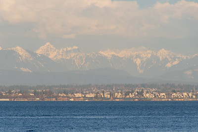 View of Everett, WA with the Cascade Mountains in the background