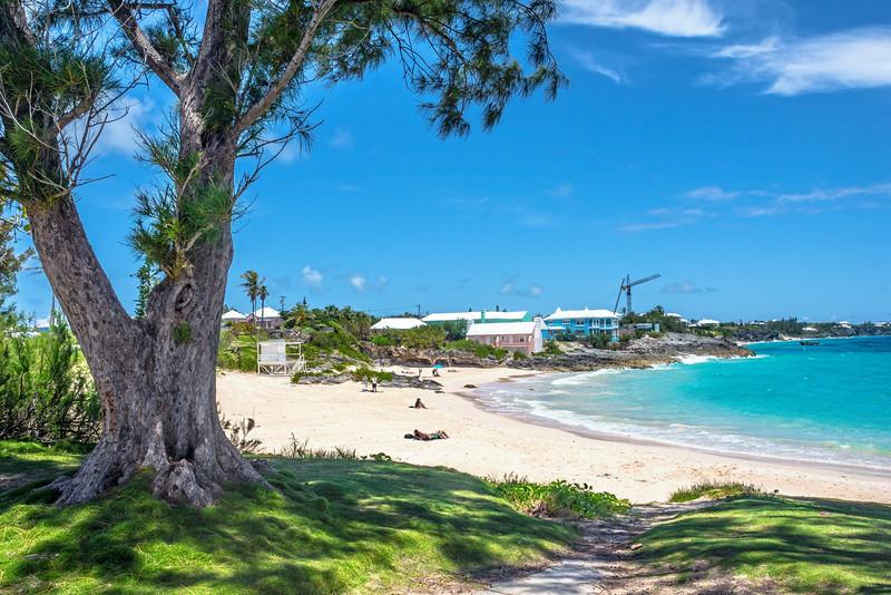 Inviting Bermuda Beach