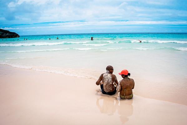 Sandy Couple Bermuda