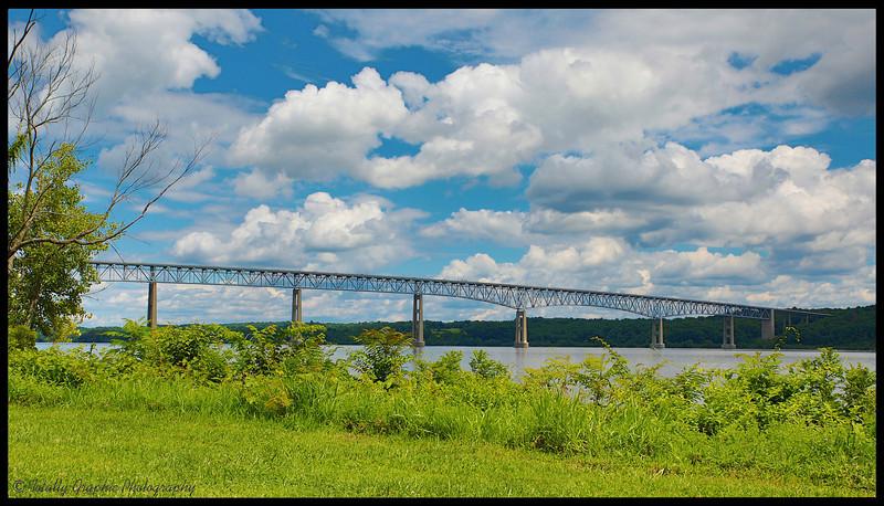 The Kingston-Rhinecliff Bridge