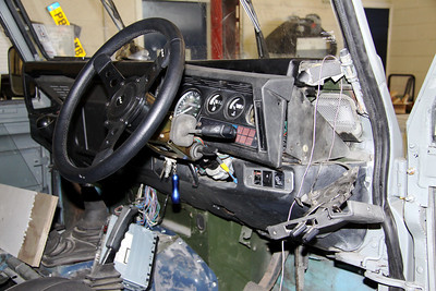 New steering wheel has been fitted but work outstanding on the dash.
