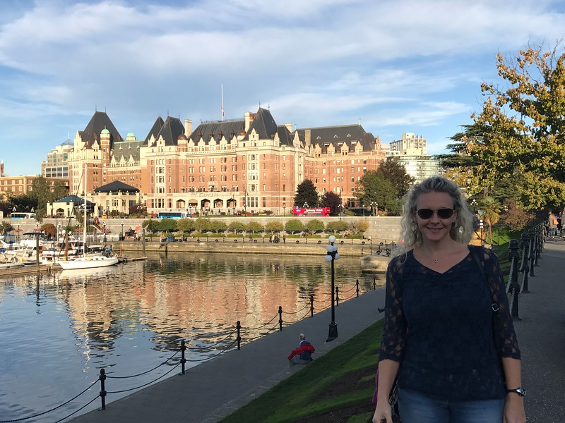 """Once we got to Victoria it was time to explore by foot to check out this city's iconic symbols like the """"Empress"""" Hotel and  Parliament building."""