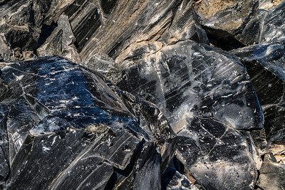 Landlines: Obsidian (Volcanic Glass) | Newberry National Volcanic Monument