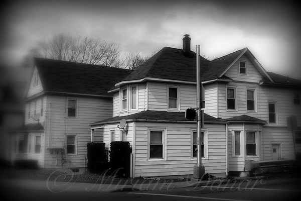 White House on the Corner - The Suburbs of New York