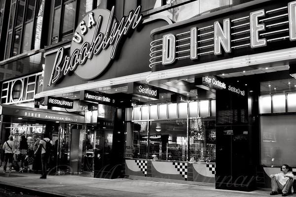 Brooklyn Diner - New York at Night - Restaurants of New York City