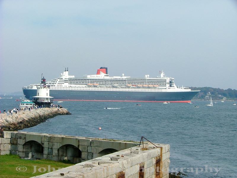 Queen Mary 2 in Portland Harbor<br /> LM_0035-Pic 029