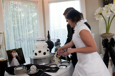 M & L Cutting the Cake-0953