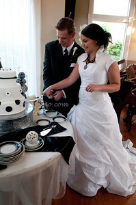 M & L Cutting the Cake-7499