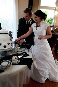M & L Cutting the Cake-7500