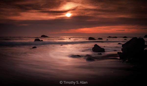 SUNSET ON A SONOMA COUNTY BEACH