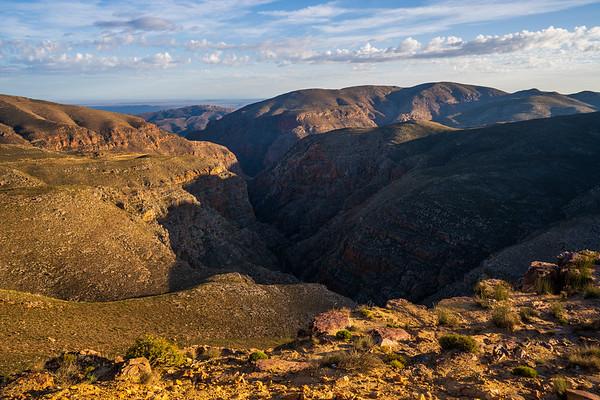 Chasing shadows, Swartberg Pass, Karoo, Sotuh Africa