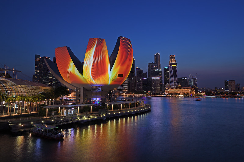 iLight  Singapore Bicentennial Edition