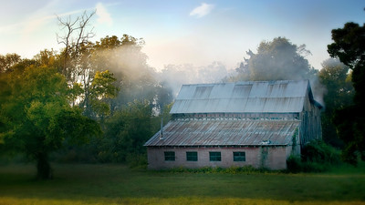 """Classic """"smoker barn"""" off Highway 76 near White House - cropped in 16 x 9 format"""
