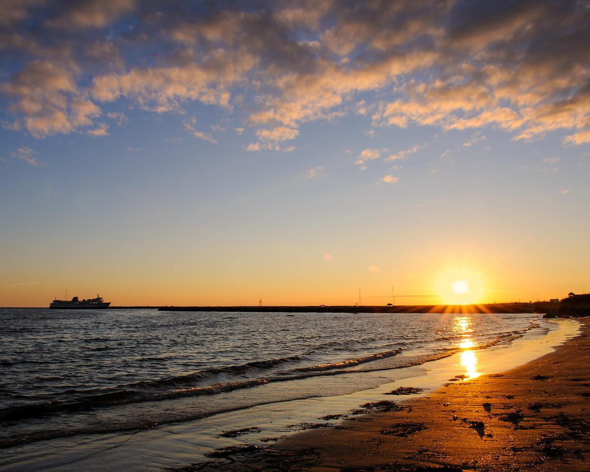 Block Island Ferry arriving at sunrise
