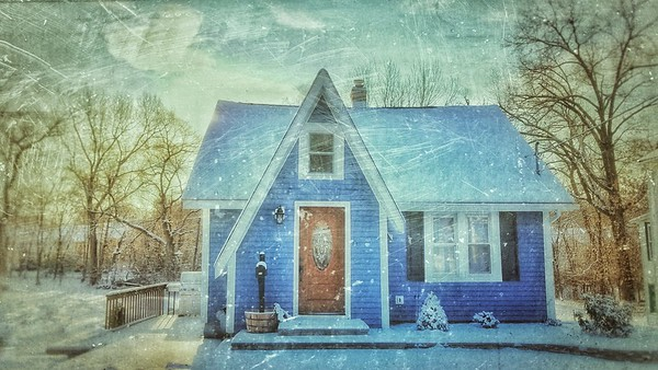 Snow Storm, December 14, 2017, Goshen, NY. Such a cute little home. Shot with Samsung Mobile Galaxy S7, Edited with Snapseed
