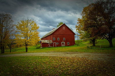 Spear Barn ca 1850 Fall Scene Stowe VT 10-13-15