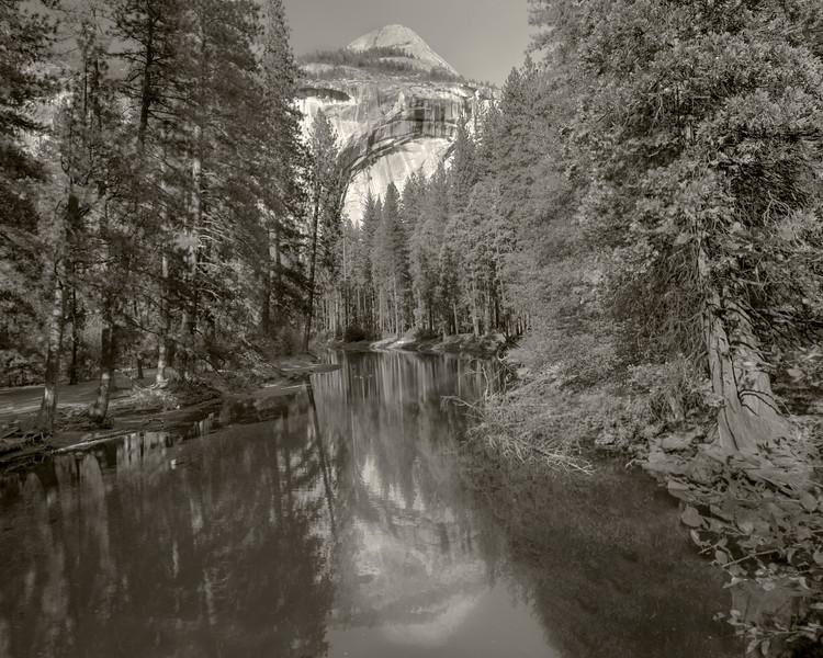Yosemite Hike  Pictorial