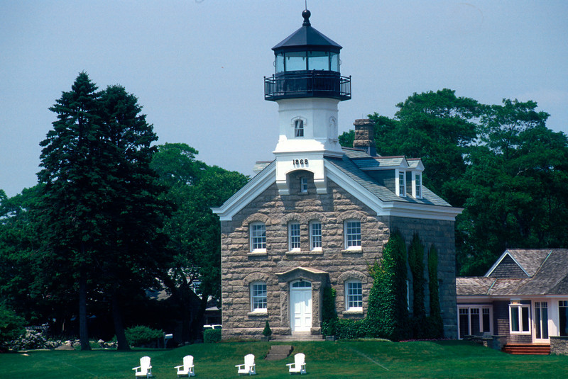 LH015<br /> Morgan Point Light<br /> Noank, Connecticut