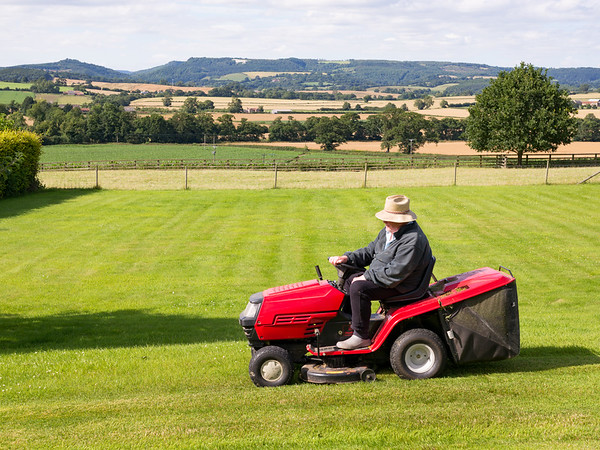 Grass Cutting near The White Horse - Husthwaite North Yorkshire UK 2017