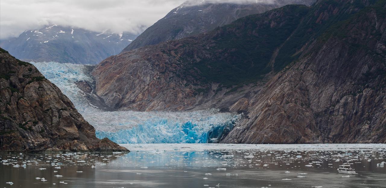 Sawyer Glacier and boat