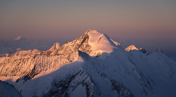 Aletschhorn at sunrise from Grunhorn