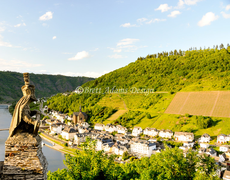 Town overlook from Reichsburg Cochem<br /> Cochem, Germany