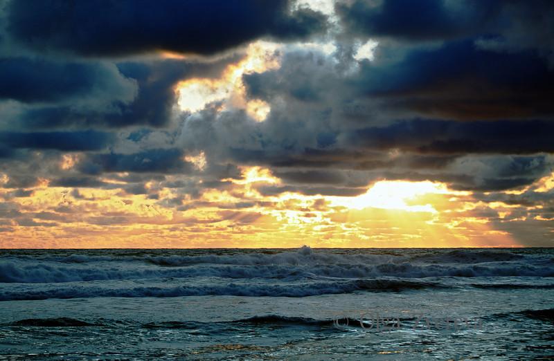 <p>Sunset over Pacific ocean, Oregon, USA</p>