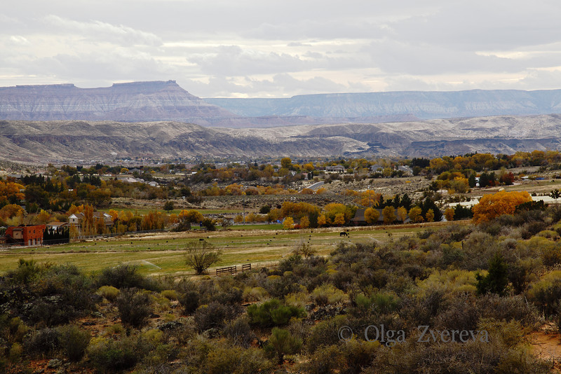 <p>Valley view from road. Toquerville, Utah, USA</p>