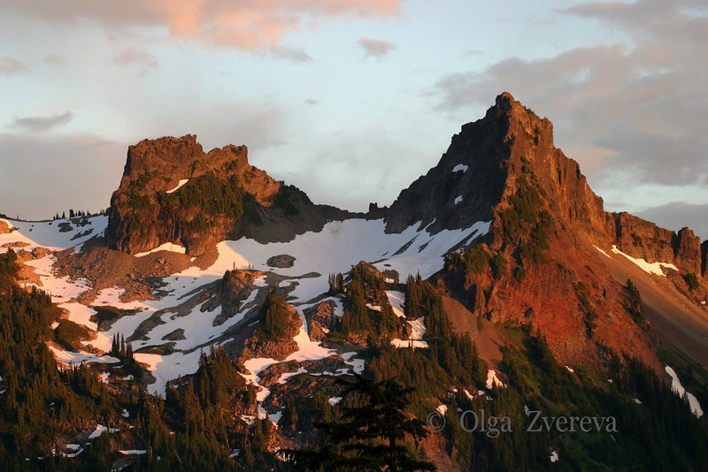 <p>The peaks of the Tatoosh Range are painted in beautiful color by sunset.</p> <p>Mount Rainier National Park, Washington, USA</p>