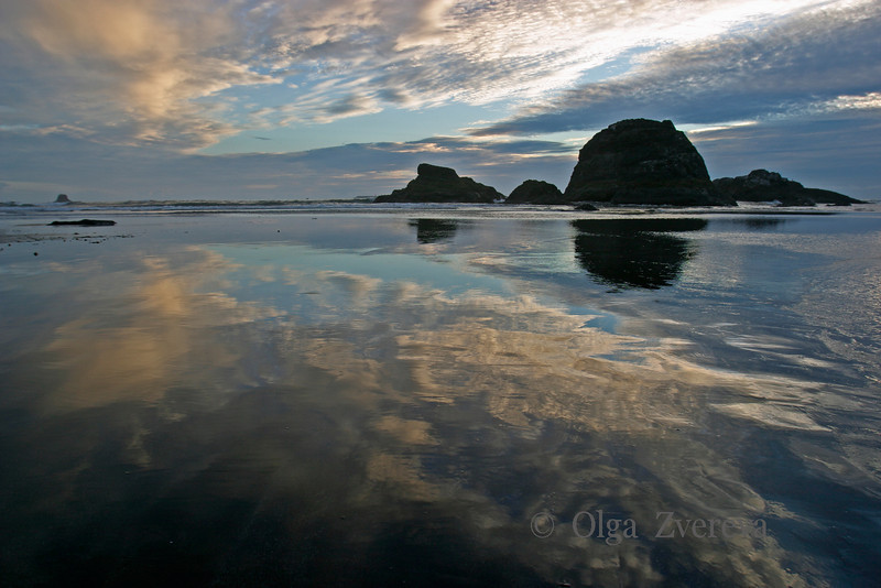 <p>Blue Sunset. Ruby beach, Olympic National Park, Washington, USA</p> <p>With the tide out, reflection of sky on the beach looks marvelous.</p>