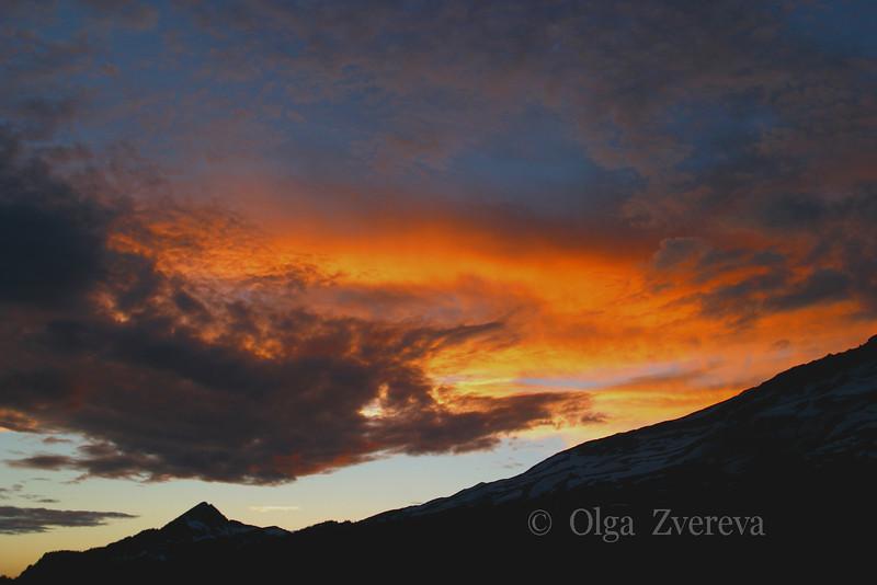 <p>Sunset, Mount Rainier National Park, Washington, USA</p>