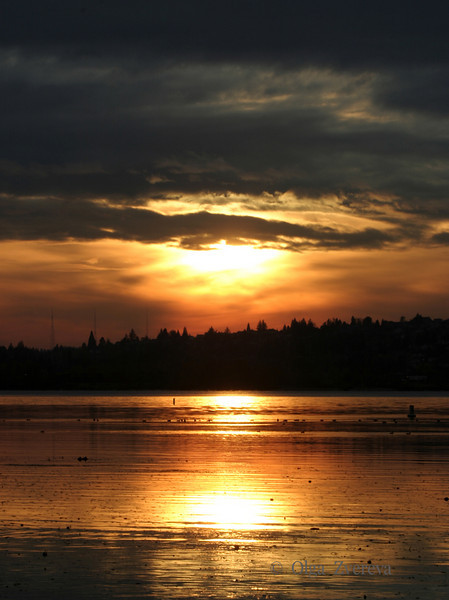 <p>Sunset over Lake Washington, Kirkland, Washington, USA</p>