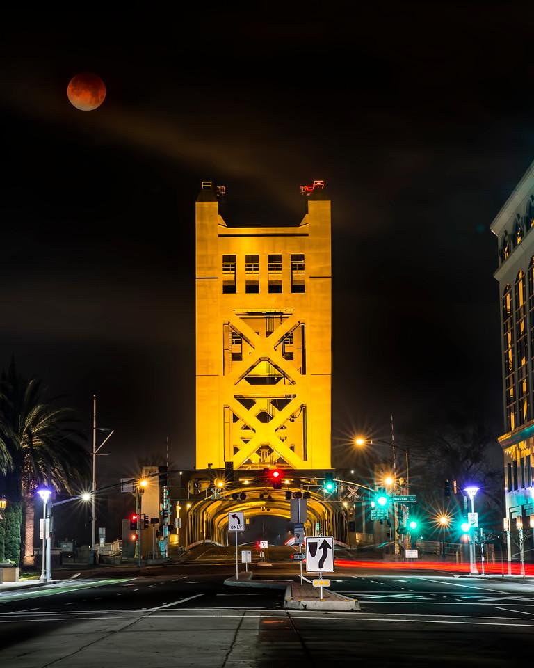 Super Blue Blood Moon over Sacramento's Tower Bridge