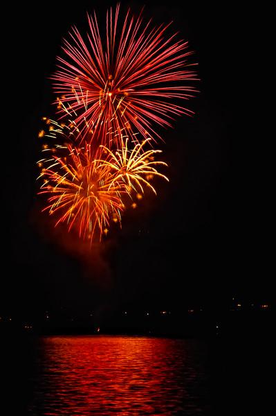 Indianola Fireworks 210