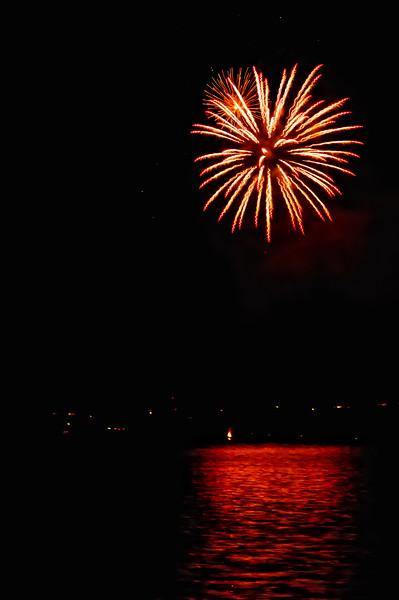 Indianola Fireworks 128