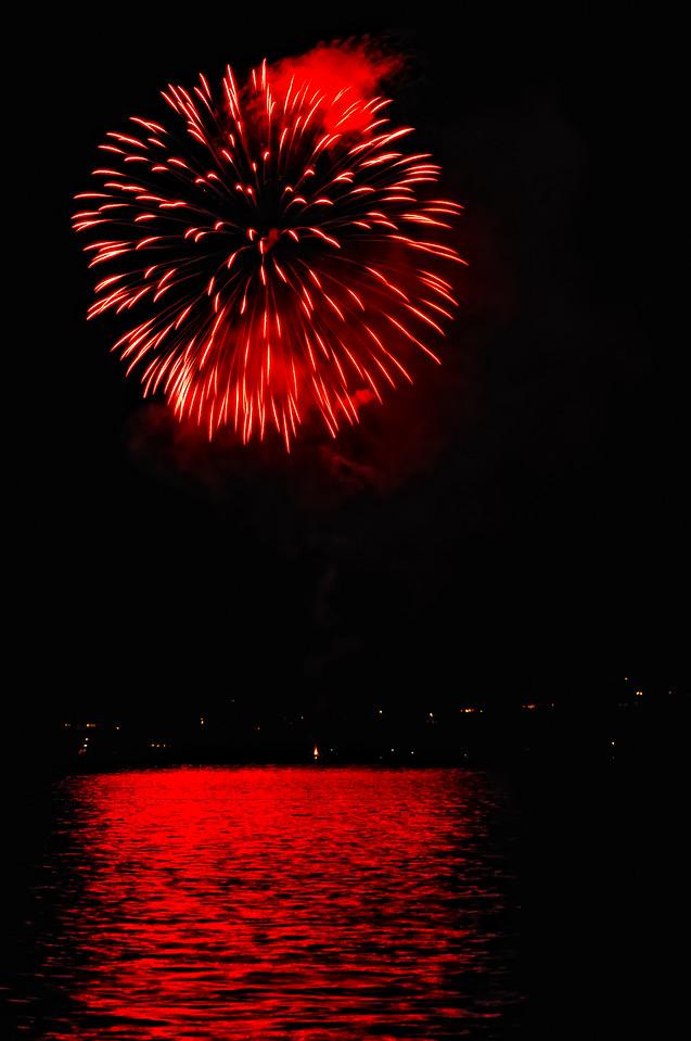 Indianola Fireworks 155