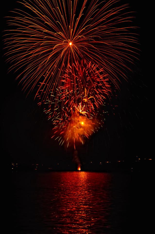 Indianola Fireworks 252