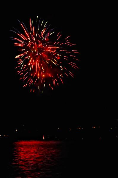 Indianola Fireworks 140