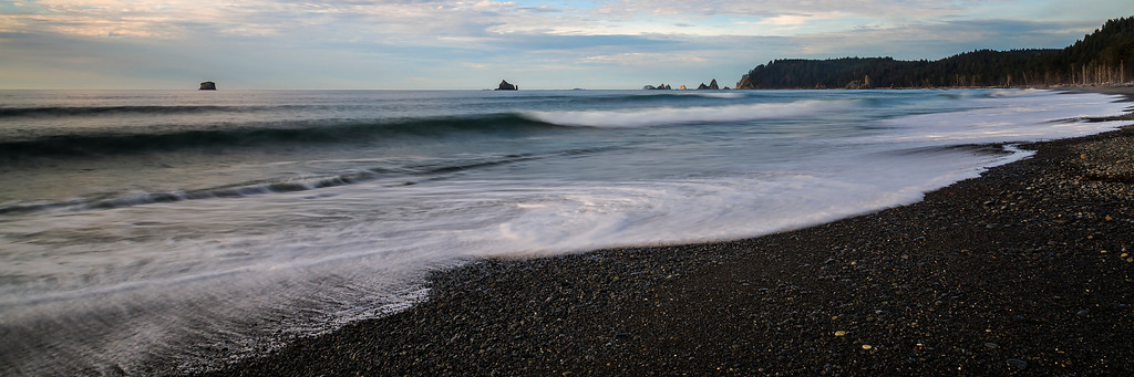 Waves at Rialto Beach.