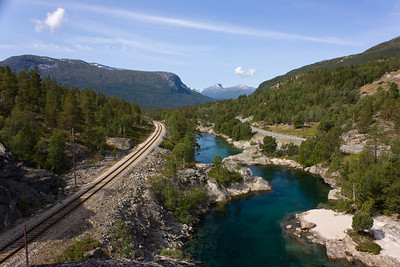 The Rauma line, the rauma river and highway E136 run side by side through Romsdalen down towards Åndalsnes (this is right after Bjorli)