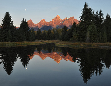 Setting Moon during Sunrise at Schwabacher Landing