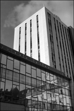 25-11-2007 11-09-39 Cardiff  0468 bw