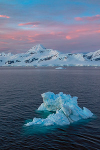 Antarctic Twilight