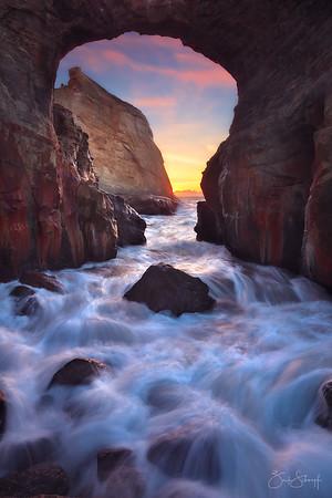 Fallen Arch Cape Kiwanda, Oregon