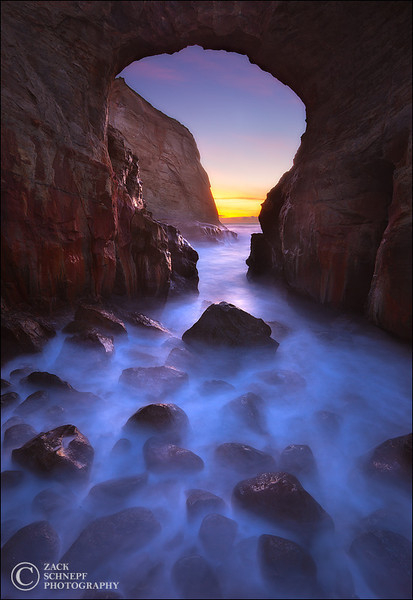 "<font color=""#FFFFFF"" size=""4"" face=""Verdana, Arial, Helvetica, sans-serif"">Keyhole Arch Dream</font><br> Cape Kiwanda, Oregon"