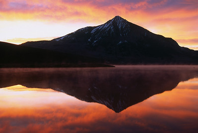 Early morning sunrise just outside the town of Crested Butte on Peanut Lake