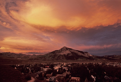 An amazing sunset above Crested Butte on the night before a best friends wedding day