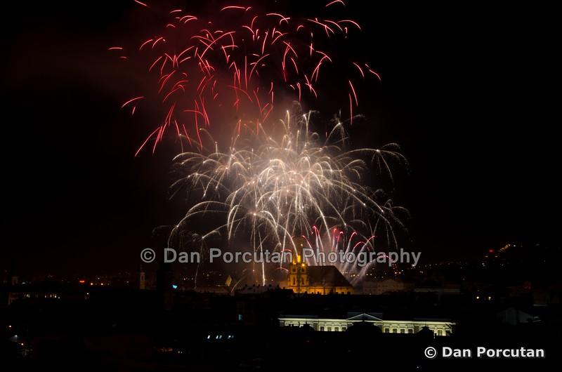 Unirea Principatelor Romane sarbatorita la Cluj-Napoca - focuri de artificii