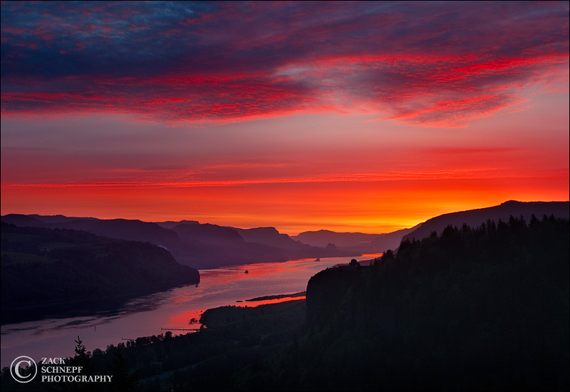 "<font color=""#FFFFFF"" size=""4"" face=""Verdana, Arial, Helvetica, sans-serif"">Columbia River Color</font><br> Columbia River Gorge, Oregon"