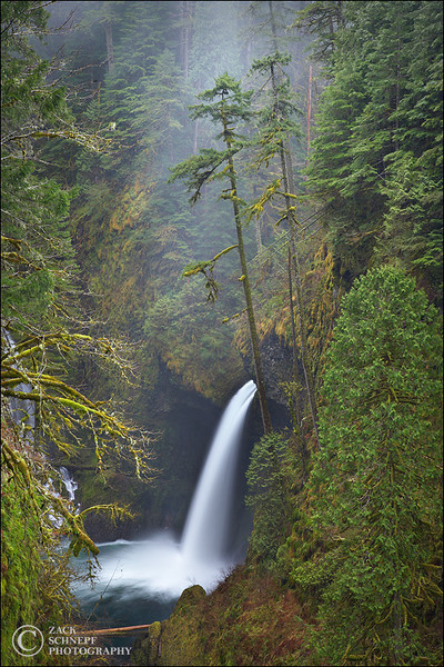 "<font color=""#FFFFFF"" size=""4"" face=""Verdana, Arial, Helvetica, sans-serif"">Metlako Falls</font><br> Columbia River Gorge, Oregon"